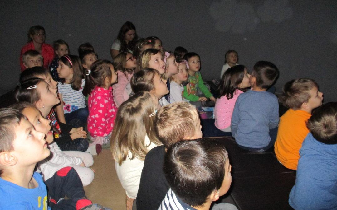 "Kino do škol ""Vesmír"""